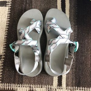 Like new chaco sandals